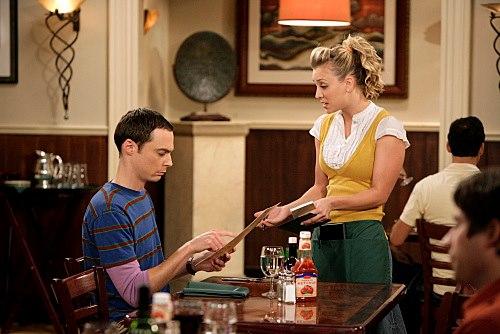 Sheldon asztalt foglal