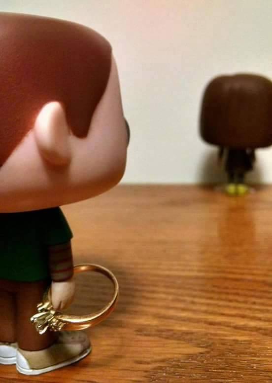 Sheldon megkeri Amy kezet