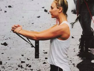 Kaley Cuoco Home Fitness 1