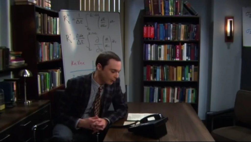 Sheldon a rádió interjú alatt
