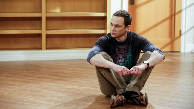 Sheldon Cooper a szoba közepén gondolkodik